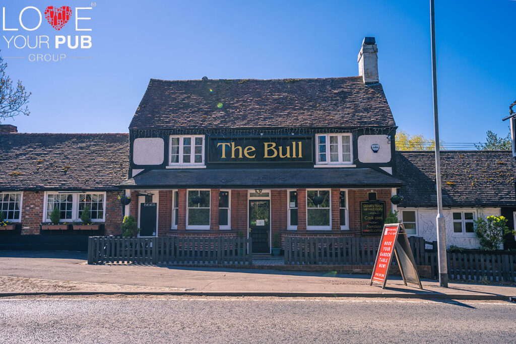 Pubs With Gardens In Barkham – Visit The Bull !